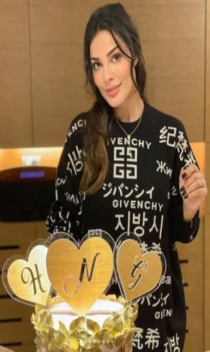 لبنان اليوم - نادين نجيم تتألق بفستان أصفر من توقيع زهير مراد