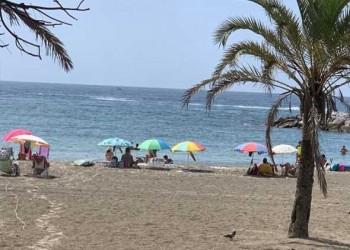 لبنان اليوم - شاطئ السعديات في أبوظبي يتمتع برمال ذهبية وأجواء مثالية لعُشاق الاستجمام